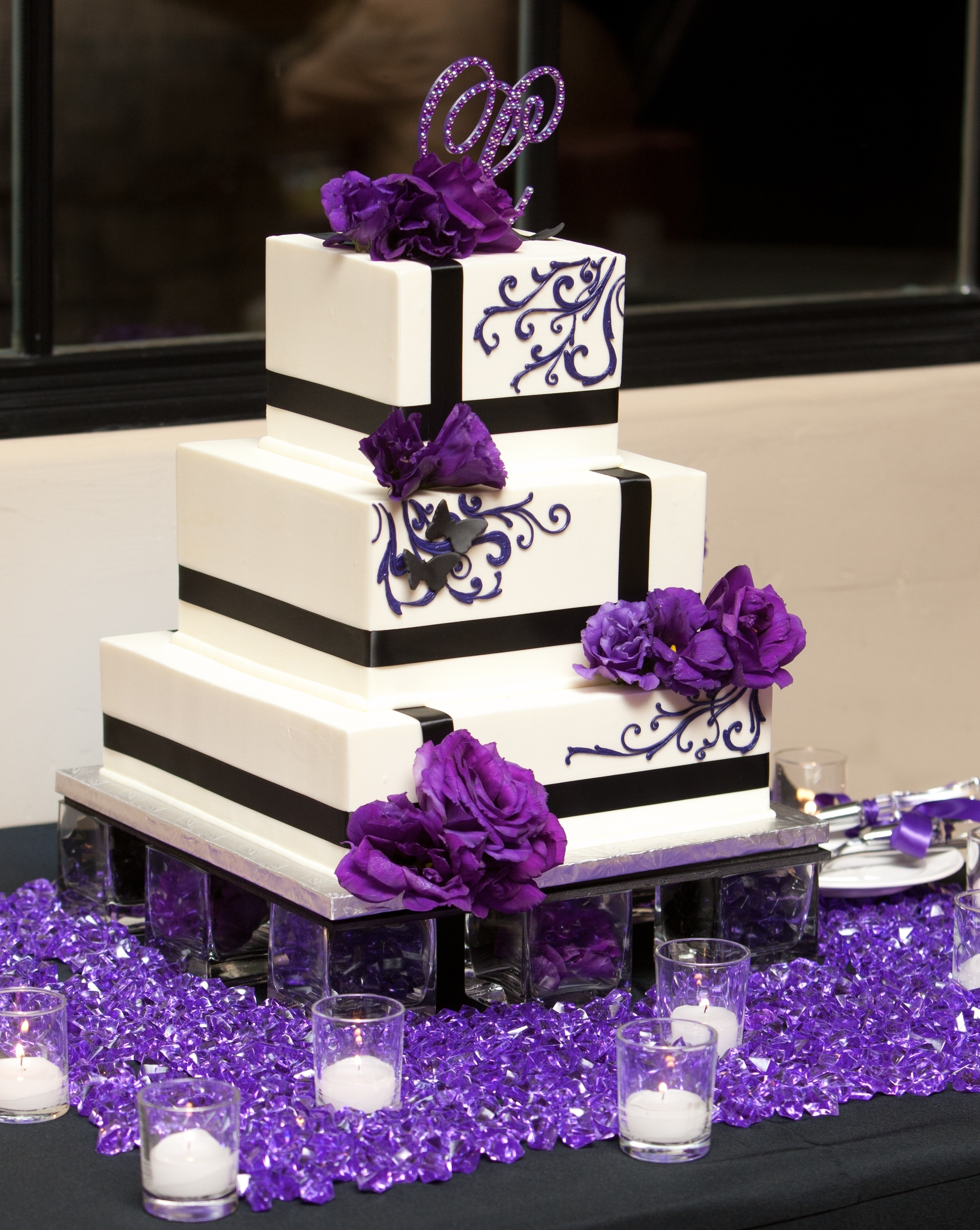 Purple Wedding Cakes submited images