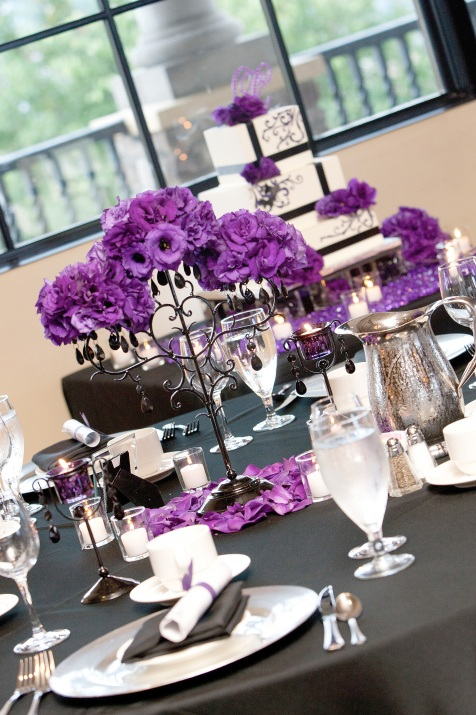 Table décor including cake