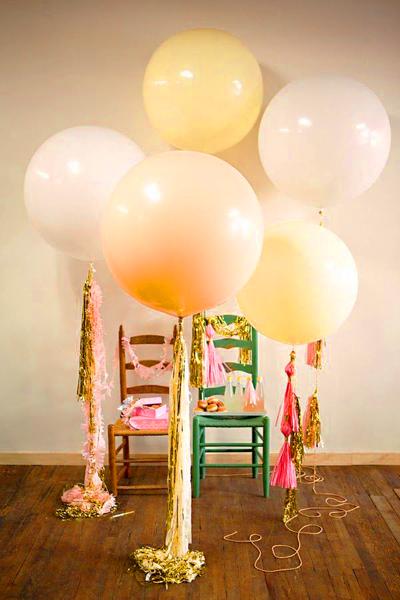 Balloon streamers