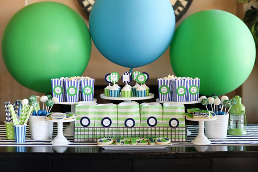 Balloons dessert table